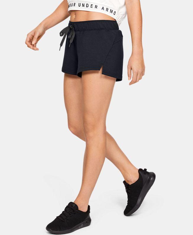 女士UA Featherweight Fleece短裤